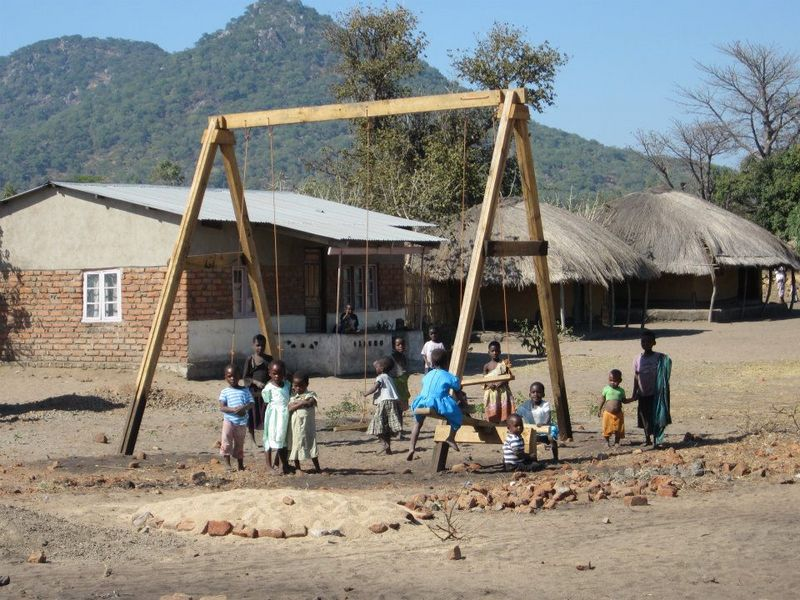 Malawi kids play
